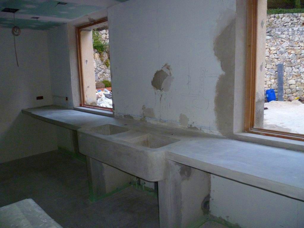 Keuken Beton Cire : Beton Cir? is bijzonder geschikt om keukenbladen van te maken. Beton