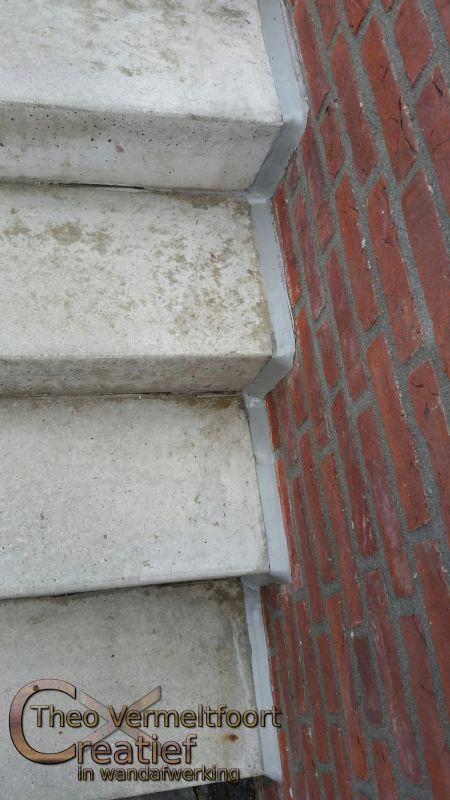 Trap renovatie van hout naar betonlook for Renovatie houten trap